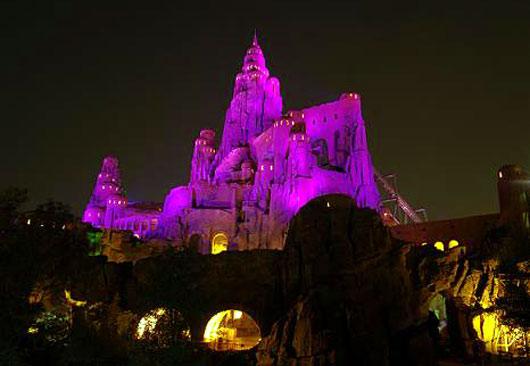 北京歡樂谷夜景——水晶圣山圖片