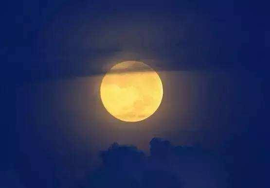 这个中秋气温低 天晴气爽宜赏月