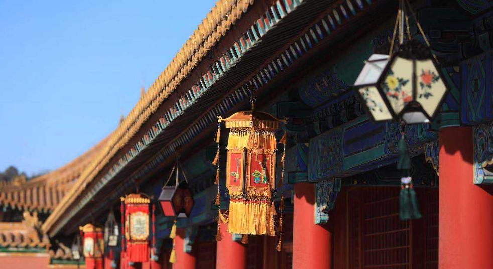 北京故宮展示近千件文物 恢復多種皇宮年俗