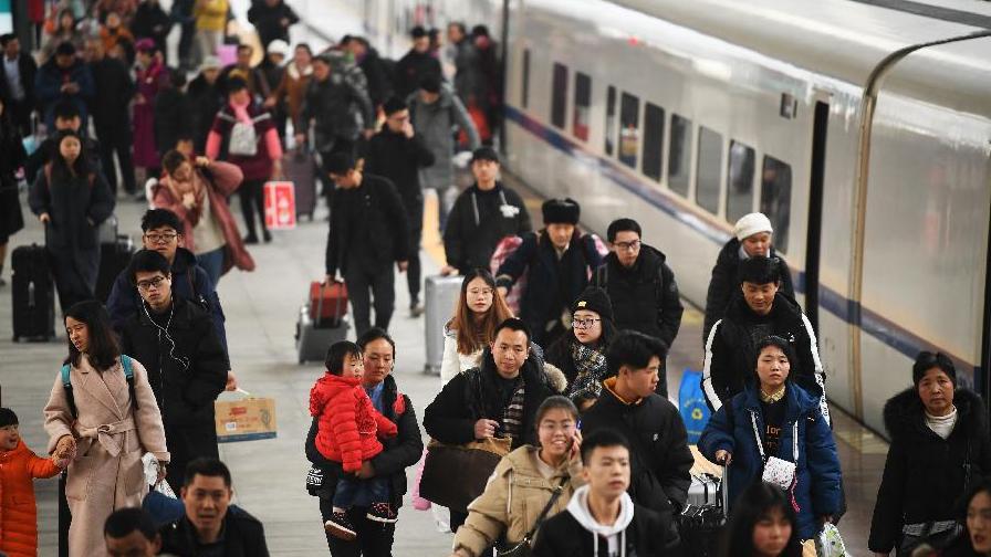 2019春運:鐵路客流超3億 應對雨雪保出行