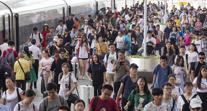 暑運將至 鐵路客流攀升