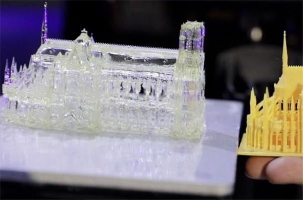 高效!精準!現場體驗超高速光固化3D打印機