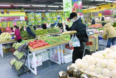 北京社區菜店限制進店人數 顧客進店先測體溫