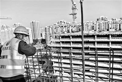 北京朝陽醫院東院主體結構封頂